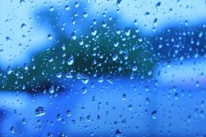 僅かな隙間でも水の浸入が考えられます。場合に応じて適切なメンテナンスが必要です。