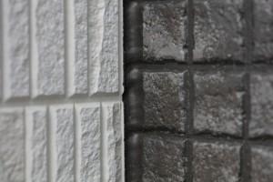 シーリングが切れているかどうか、お家の外壁をときどき点検しましょう。